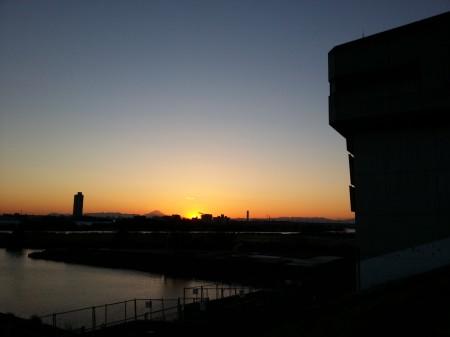 川口 水門から見える富士山